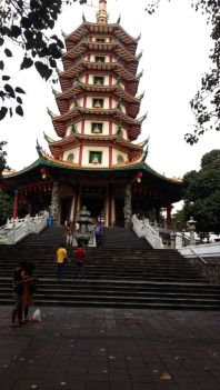 pagoda avalokitesvara di vihara watugong