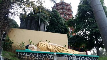 Patung Buddha di Vihara Watugong